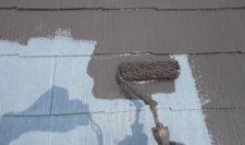 屋根の下塗りから中塗り